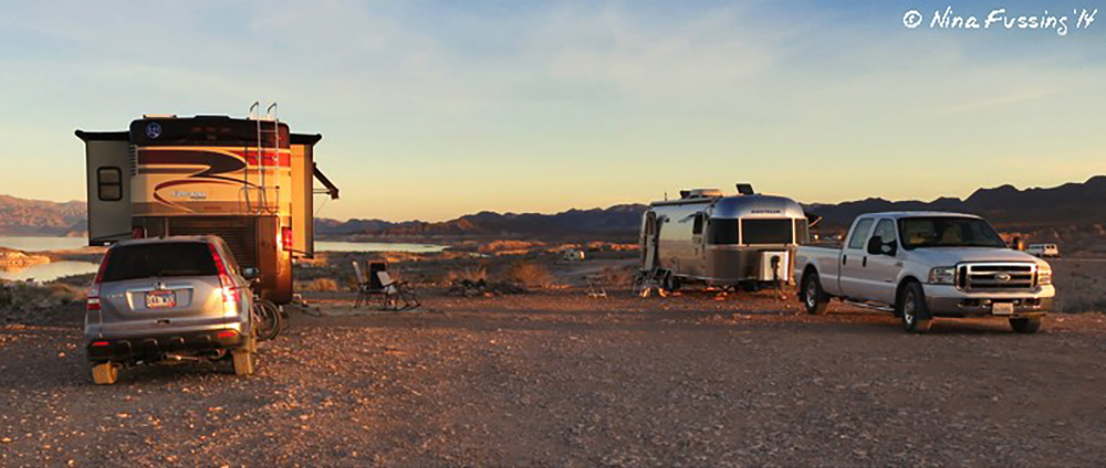 RV Caravaning With Friends 1