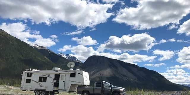How to Survive the Challenges of Working on the Road while RVing 1