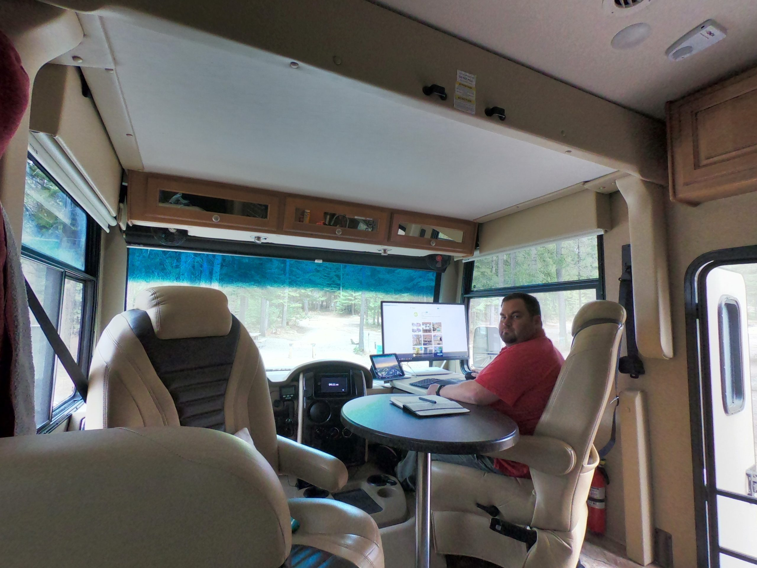 Two Solo Techs Balancing Work and Life on the Road 18
